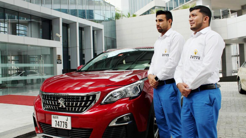 Benefits of Hiring Corporate Chauffeur Service in Dubai
